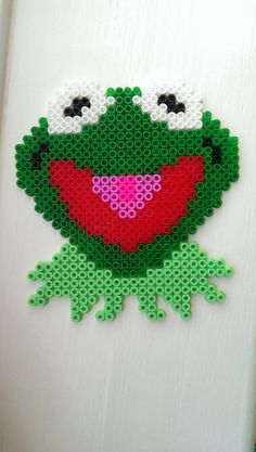 DIY Kermit, or KERMIE as i said as Miss Piggy non-stop whilst making it hahaha. Hama Beads