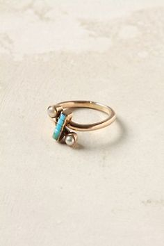 Turquoise and pearl... now that would be a cool wedding ring!