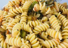 Pasta Salad, Bacon, Ethnic Recipes, Food, Crab Pasta Salad, Essen, Meals, Yemek, Pork Belly