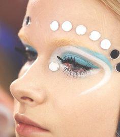 Miu Miu F/W 2012 blue swirl reflective mirror make-up look