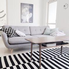 Piękna sofa Vera w równie pięknym wnętrzu. Już wkrótce do zakupienia na oficjalnej stronie marki Sofacompany w Polsce. Otwarcie już w maju. Czekajcie na informacje 😊😊 #sofacompanypl #wielkieotwarcie #opening #polska #news #nowamarka #wnetrza #wnetrze #inspiracje #interior #instadesign #dizajn #warsaw #gdansk #cracow #design #sofa #skandynawia #Scandinavianhome #domiwnetrze #dom #decor