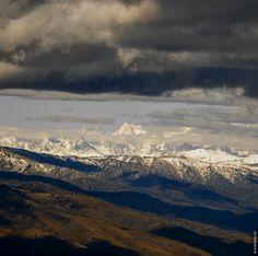 Осень в горах Казахстана: Гора Белуха, высочайшая точка Алтая (4509 м.) К огромному сожалению, не удалось снять эту удивительную...