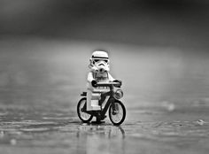 Star Wars Poster, Star Wars Art, Lego Star Wars, Star Trek, Lego Man, Lego Guys, Lego Hacks, Aniversario Star Wars, Bicycle Pictures