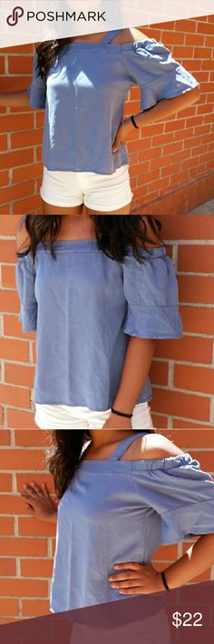 """BRAND NEW Cute top  made in Italy Brand new! beautifulllll top one size small  Made in Italy......measurements BUST across the front 18"""" lying flat ....LENGTH from shoulder to hem. 23"""" girl in the picture is small size Tops"""