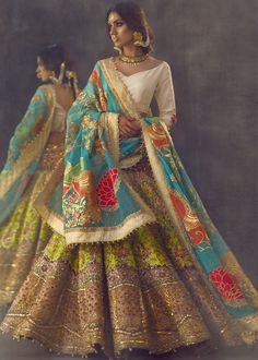 Bridal Lehenga Choli, Indian Bridal Wear, Pakistani Dress Design, Pakistani Wedding Dresses, Saree Wedding, Wedding Mandap, Wedding Stage, Wedding Receptions, Bridal Looks