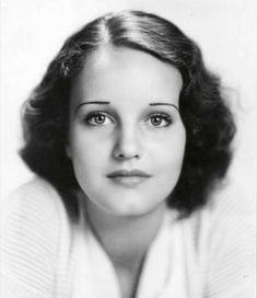 Rochelle Elizabeth Hudson (March 1916 – January was an American film actress from the through to the and was a WAMPAS Baby Star in Vintage Hollywood, Classic Hollywood, Hollywood Glamour, Hollywood Actresses, Rochelle Hudson, Thing 1, Beauty Advice, Actors, Women In History