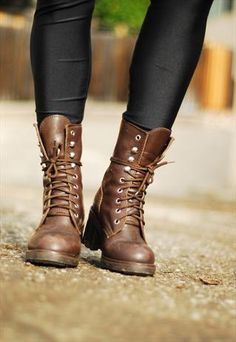 BROWN LEATHER MILITARY BOOTS - $55.08. I always tied mine like this.