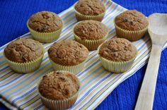 From Scratch Bran Muffins - Receitas Pratos Muffin Recipes, Cupcake Recipes, Bread Recipes, Breakfast Recipes, Baking Recipes, Dried Peaches, Strawberry Muffins, Bran Muffins, Good Food
