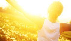 Los beneficios de la luz solar para tu salud.-Existen cada vez más advertencias sobre los peligros de una exposición solar prolongada, lo que es bueno para enseñar que el primer paso para broncearse es hacer uso de la crema solar – en beneficio de reducir futuros melanomas en la piel -. ¿Debes por ello alejarte del sol? En absoluto, cada vez más médicos coinciden en las diversas consecuencias positivas que tiene el sol en las personas. Y es que la luz solar es ampliamente beneficiosa para…