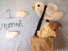 iroちゃん 1ヶ月になりました。 1ヶ月検診でcocoの出生体重にやっと追い付いたiro。 元気いっぱいに成長してくれています。 ニコニコ笑うこ...