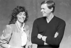 Does anyone have the original untouched Made In America photos? Richard Carpenter, Karen Carpenter, Karen Richards, Girl Next Door, Made In America, Forever Young, Celebrity Crush, Hard Rock, Superstar