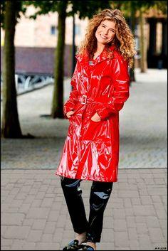 Outfit Lack Rot-Schwarz 5 Red Raincoat, Vinyl Raincoat, Black Rain Jacket, Rain Jacket Women, Rain Gear, Latex Girls, Raincoats For Women, Unisex, Women Wear