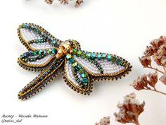 Я вас наверное замучила своими стрекозками  всё понимаю, но ничего поделать не могу  ведь они такие... Необыкновенные...  И некоторые еще ждут своих любящих хозяек. Цена - 2300 руб. #tatius_shil_вналичии  #handmade_ru_jewellery #handmadewithlove #dragonfly #dragonflys #jewelry #style #moda #stylejewelry #withlove #beadjewelry #biser #swarovskicrystals #beadswork #мода #стильно #сделанослюбовью #стильноеукрашение #стрекозаукрашение #стрекозаброшь #стрекоза #ук...