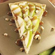 Caramel Apple Pizza- Plum Crazy About Coupons  http://plumcrazyaboutcoupons.com/2012/09/29/caramel-apple-pizza/
