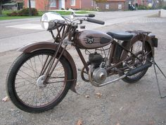 Terrot was one of the early French motorcycle pioneers, and they produced lightweight machines from the year 1901 until the early Terrot was, for many Vintage Bikes, Vintage Motorcycles, Classic Bikes, Classic Motorcycle, Motorized Bicycle, Toys For Boys, Motorbikes, Mopeds, Mcqueen