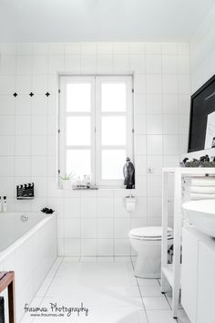 black & white bathroom inspiration by fraumau