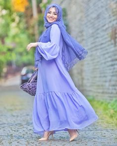 Perfect for summer Modest Dresses, Modest Outfits, Simple Dresses, Cute Dresses, Abaya Fashion, Modest Fashion, Muslimah Clothing, Moslem Fashion, Hijab Fashionista
