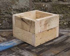 https://www.etsy.com/uk/listing/513859007/garden-planter-square-box?ref=related-7