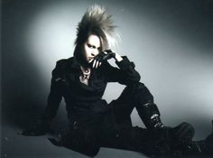 exist trace - Omi | I WANT HER HAIR SO BAD. Visual Kei, Music Bands, Her Hair, Eye Candy, Goth, Hair Cuts, Japan, Artists, Heart