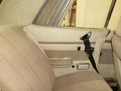"""MERCEDES BENZ 450 SLC C107 - AÑO 1976 4.520 CC., 218 CV, V8, AUTOMÁTICO, INYECCIÓN K-JETRONIC, AIRE ACONDICIONADO, DIRECCIÓN ASISTIDA, 5 LLANTAS, 4 ELEVALUNAS, TECHO SOLAR, INTERIOR EN MADERA, COLOR """"SILVER GREEN"""" METALIZADO, RADIO-CASSETTE BECKER MEXICO, 4 PLAZAS, MATCHING NUMBERS, PERFECTO ESTADO, CORRECTO FUNCIONAMIENTO, MUY BIEN CONSERVADO, 135.000 KMS., ESTRENADO EN ESPAÑA.  PRECIO: 16.000.- €  MÁS INFORMACIÓN EN: http://www.antequeraclassic.com/catalogo/mercedes-benz-450-slc-c107"""