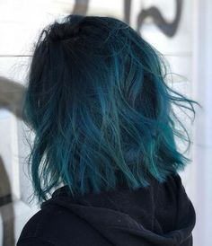Discover recipes, home ideas, style inspiration and other ideas to try. Short Blue Hair, Blue Ombre Hair, Hair Dye Colors, Cool Hair Color, Baliage Hair, Pulp Riot Hair, Coloured Hair, Bright Colored Hair, Aesthetic Hair