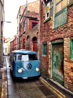 vw - bus - van - bulli..Re-pin Brought to you by Agents of #carinsurance at #HouseofIns in #EugeneOregon