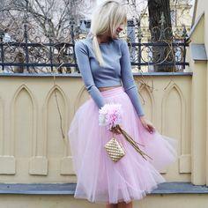 #tskirt #ilovetskirt #streetstyle #blonde #skirt #croptop #grey #tulle #tulleskirt #ballerina #pink #flowers #cute #sweet