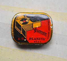 Antique 1930's Latvian tin box. Gramophone by CockroachShop