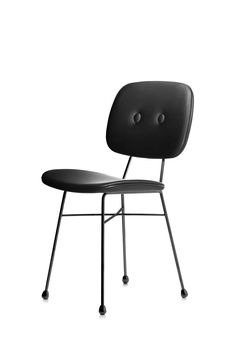 Schwarz ist das neue Gold – zumindest für Nika Zupanc und seinen Golden Chair, den er für Moooi designt hat. www.moooi.com Sofa Chair, Sofas, Innovation, Chairs, Medium, Gold, Furniture, Design, Home Decor