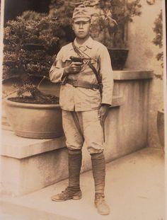 VTG JAPAN 30s WW2 ARMY SOLDIER PHOTO ALBUM military pistol vehicle sword china