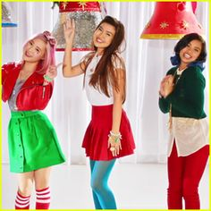 Make It Pop's Erika Tham, Megan Lee, and Louriza Tronco just put us in the Christmas mood! Nickelodeon Girls, Nickelodeon Shows, Cool Pops, Lady L, Famous Musicians, Smart Girls, Pop Music, Favorite Tv Shows, Cute Couples