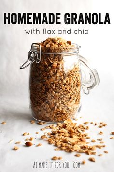 Homemade granola is easier than you think! This granola recipe uses flaxseed and Homemade granola is easier than you think! This granola recipe uses flaxseed and chia seeds to make it extra healthy with a boost of fatty acids! Source by veronikaskitche Quinoa, How To Make Granola, Making Granola, Best Nutrition Food, Proper Nutrition, Nutrition Articles, Nutrition Guide, Nutrition Pyramid, Gourmet