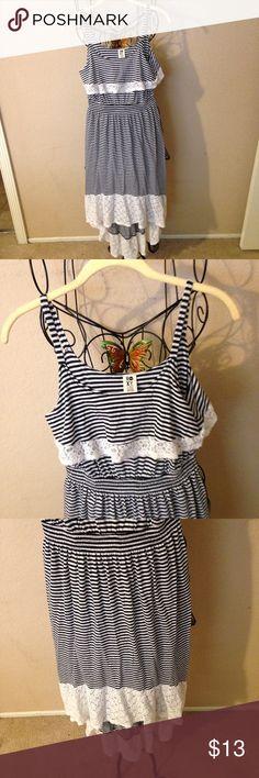 Cute girls roxy summer dress size XL so nice Very cute dress Roxy Dresses Casual
