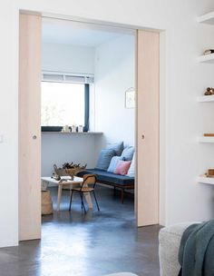 After a holiday in France, Menno and Tessa decided to design and built their own home. The couple mainly used natural materials and added a lot of storage, because with 3 children it's nice to keep clutter behind doors. The light living space with open kitchen was a priority for the couple. Their trip to France …