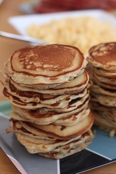 Waffles, Pancakes, Brunch, Cinnamon Rolls, Crepes, Bread Recipes, Breakfast, Mad, Waffle