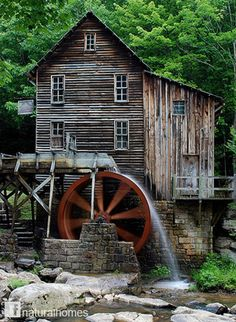 Glade Creek Grist Mill, Babcock State Park, West Virginia: It's a lovely place to visit. Croquis Architecture, Old Grist Mill, Water Powers, Water Mill, Old Barns, Le Moulin, Old Buildings, Covered Bridges, Belle Photo