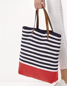 Book Woman Chic 93 Spring / Summer | 51: Woman Bag | Very dark blue / White / Red