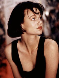 Character: Nora Diniro in Pump Up The Volume by Samantha Mathis