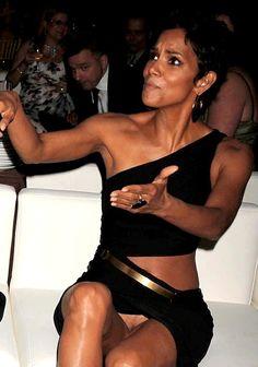 Celebrity Century Nu: Halle Berry (Bond Girl)