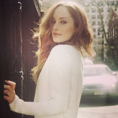 Here is a new/old picture from a photoshoot of Lotte Verbeek. Source