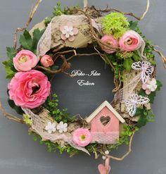♥ ... haltbarer Türkranz... ♥ ♥ ... gefertigt aus haltbarem Naturmaterial... ♥ ♥ ... für eine lange Haltbarkeit - gemischt mit künmstlichem Grün und Blüten ... ♥ ♥ ... viele Besonderheiten...