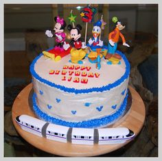 The tale of how I made a Mickey Mouse cake for my son's birthday. Lots of how-to photos. #birthdaycake