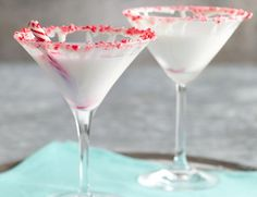 White Chocolate-Peppermint Marshmallow Martini....we need more martini ideas for Christmas Eve:)