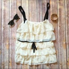 I just discovered this while shopping on Poshmark: ❗️$10 SALE❗️ LC Lauren Conrad Ruffle Tank. Check it out! Price: $10 Size: M