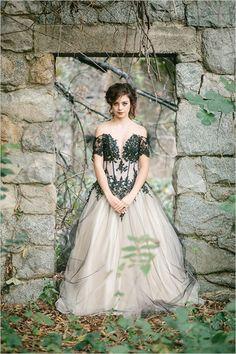 Dark Romance Wedding Photo Shoot   Weddingomania