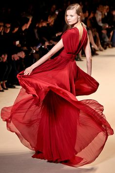 Elie Saab - Paris Fashion Week FW11 - Magdalena Frackowiak | Flickr - Photo Sharing! Photo by Simon Ackerman