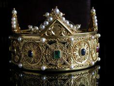 Corona real que se conserva en Santa María La Real de Pamplona