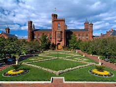 Vote for the Enid A. Haupt Garden and help us win the Smithsonian Summer Showdown! #SIShowdown
