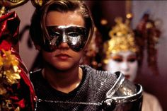 The director will release a series of unseen items from his archive to celebrate the twentieth anniversary of Romeo + Juliet Romeo Juliet 1996, Baz Luhrmann Movies, Leonardo Dicaprio Romeo, Romeo Montague, Movie Shots, Princess Aesthetic, Good Movies, 90s Movies, Gossip Girl