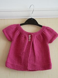 Short cardigan with gathered sleeves in sizes 3/6/12/18 months